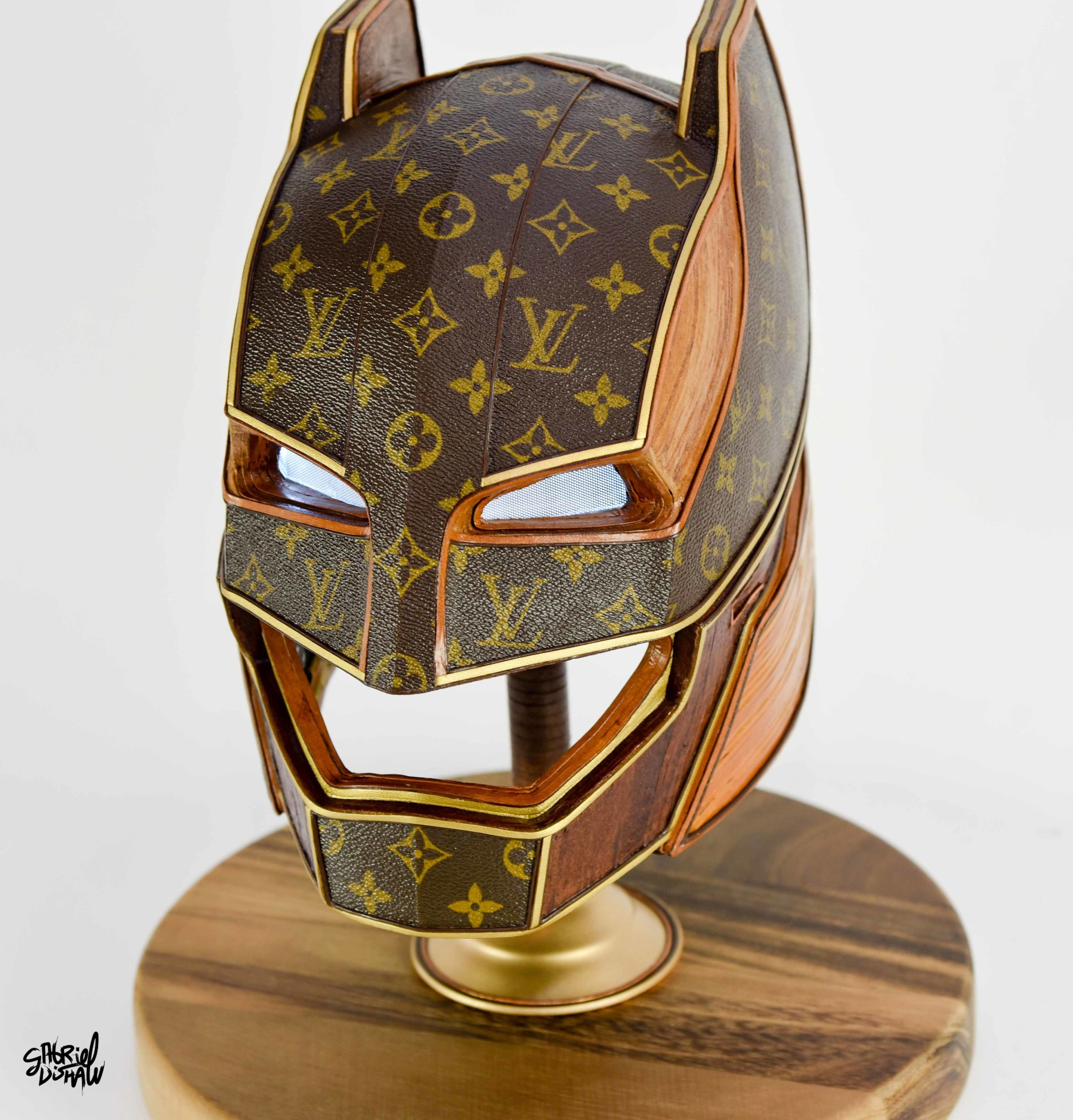 Vuitton Knight -