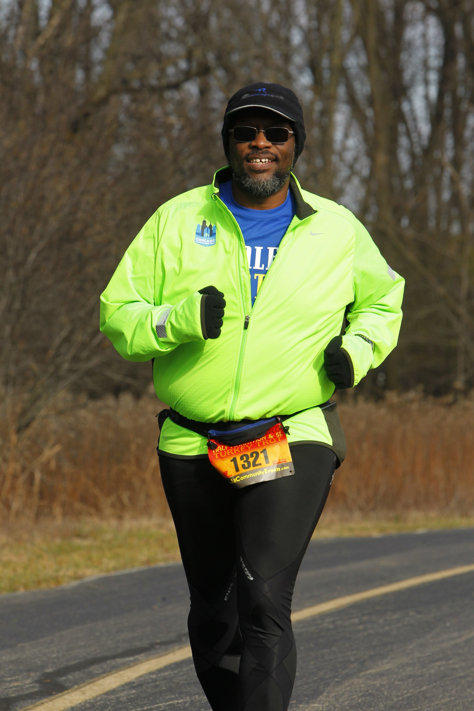 That's me running in the Schaumburg Turkey Trot Half Marathon