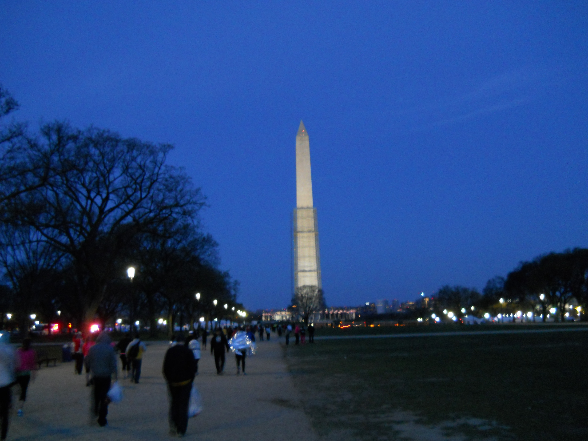 Awesome view of the Washington Monument as we approached race start.
