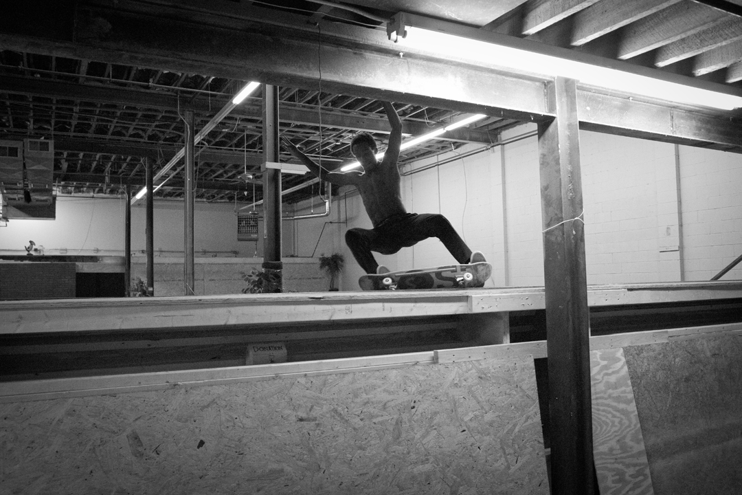 Isaac White - Frontside grind