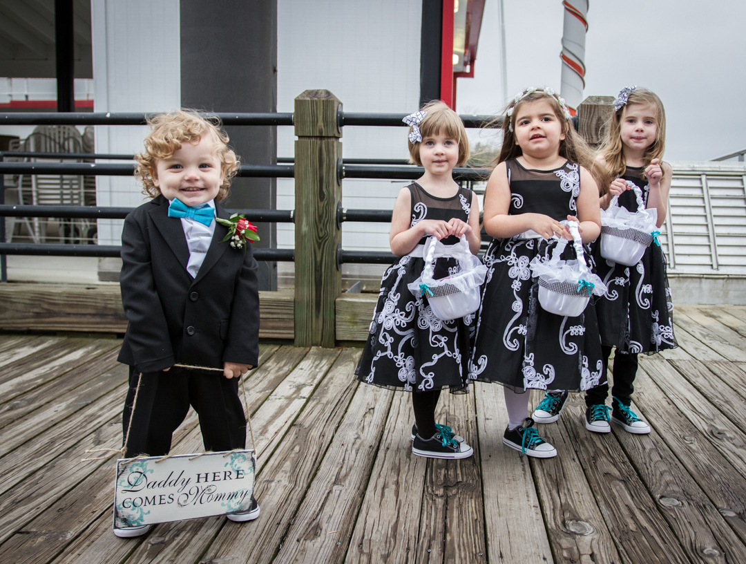 Wedding season kicked off in late March with a cloudy downtown shindig for the Webb-New family. The kids, of course, are always a pleasure to photograph.
