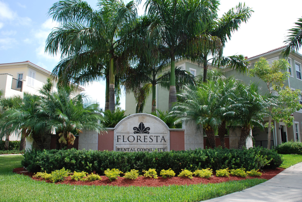 the gables floresta jupiter florida entry sign.jpg