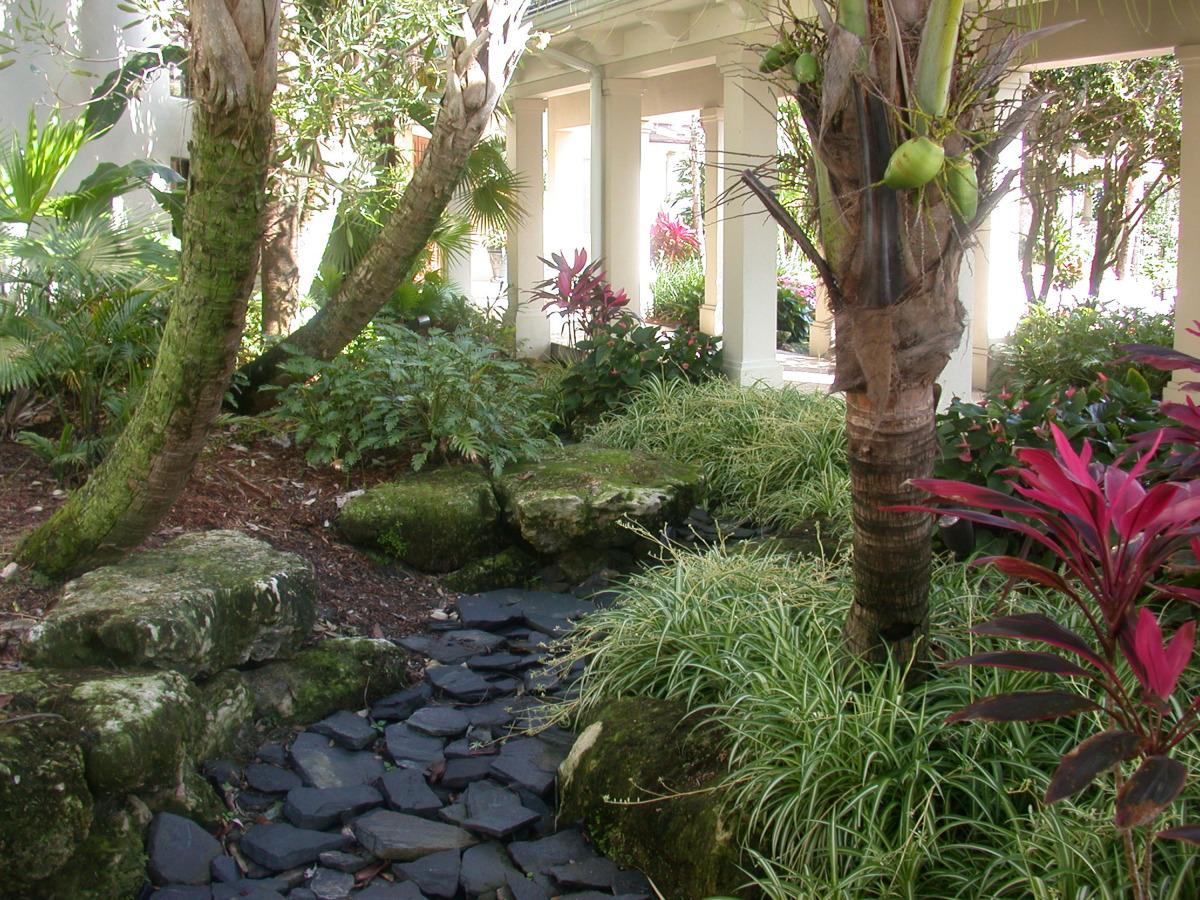 loxahatchee golf club jupiter tropical shade landscaping.jpg