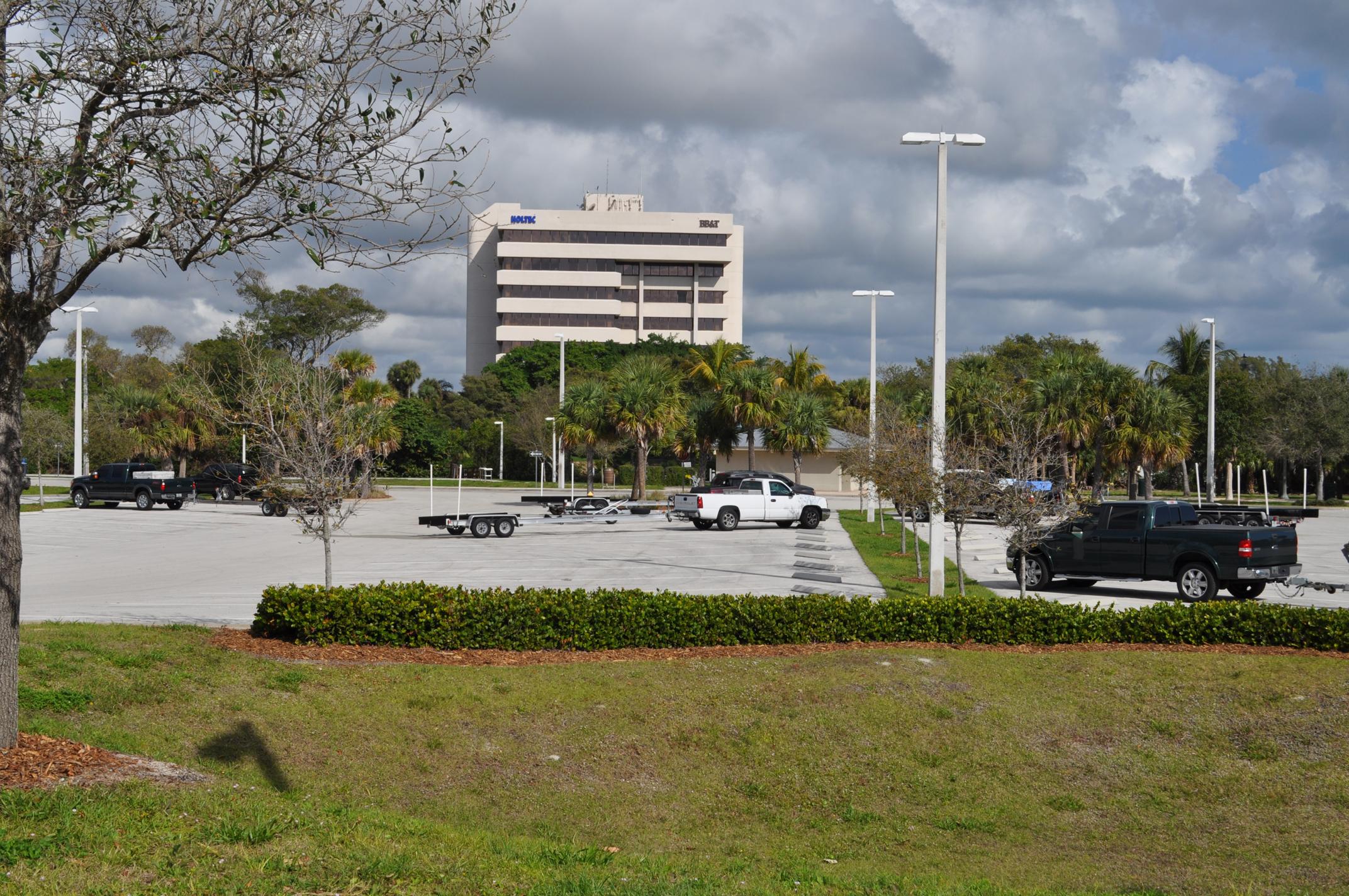 Burt Reynolds Park Palm Beach County Florida Trailer Parking.JPG