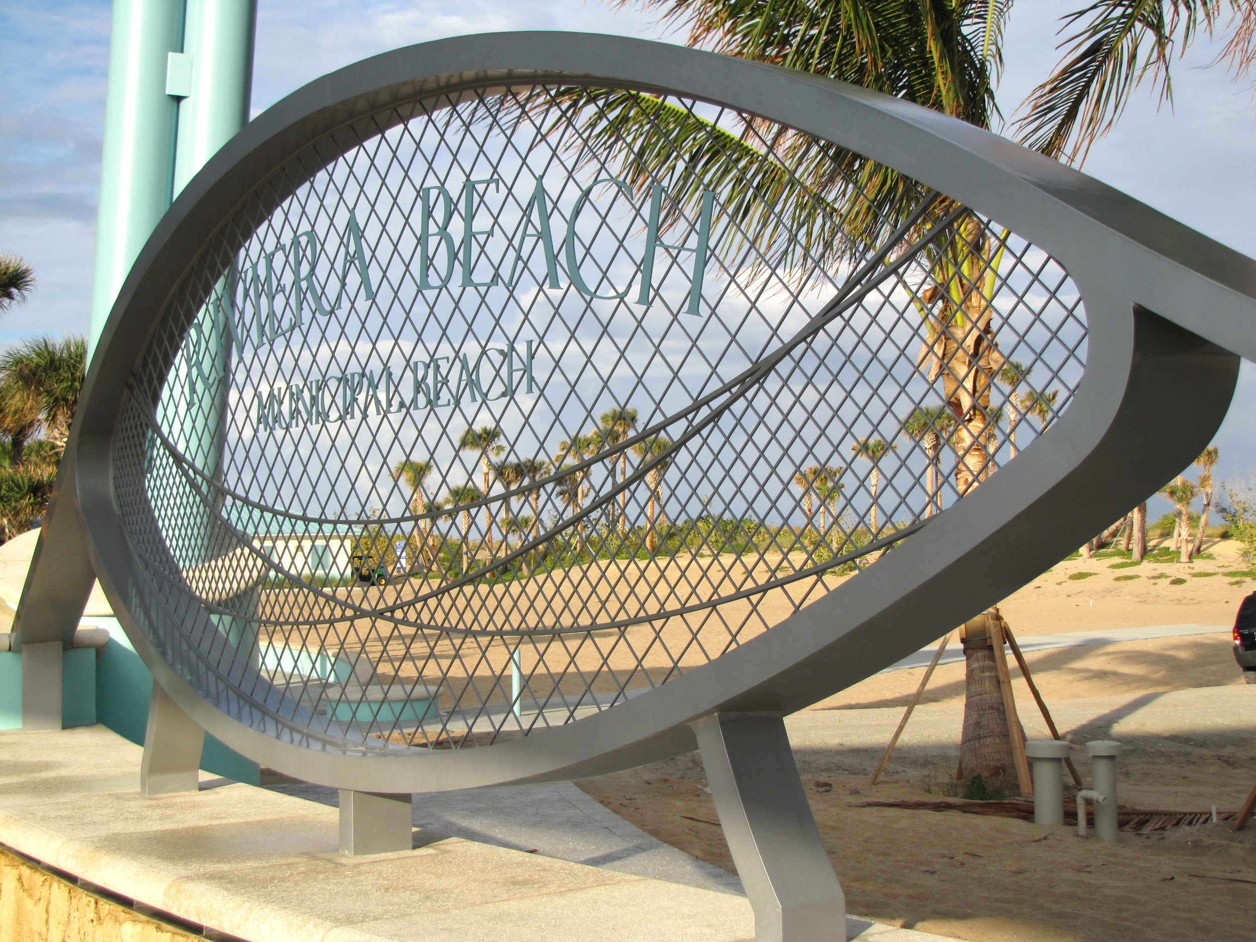 City of Riviera Beach Municipal Beach Park Ocean Mall Specialty Entry Sign.jpg