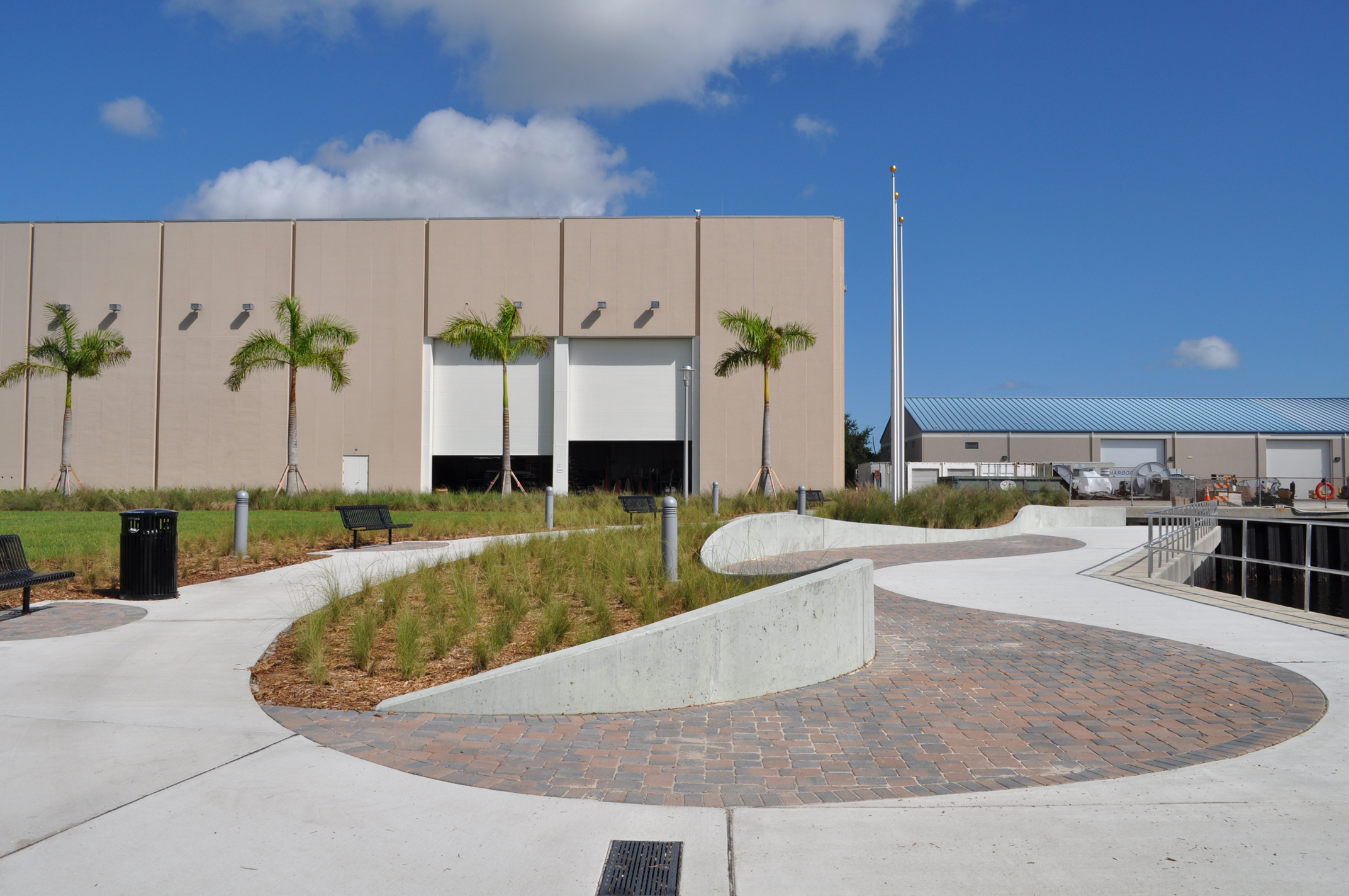 Harbor Branch Oceanographic Institute at FAU Research Laboratory II Curvilinear Wall.JPG