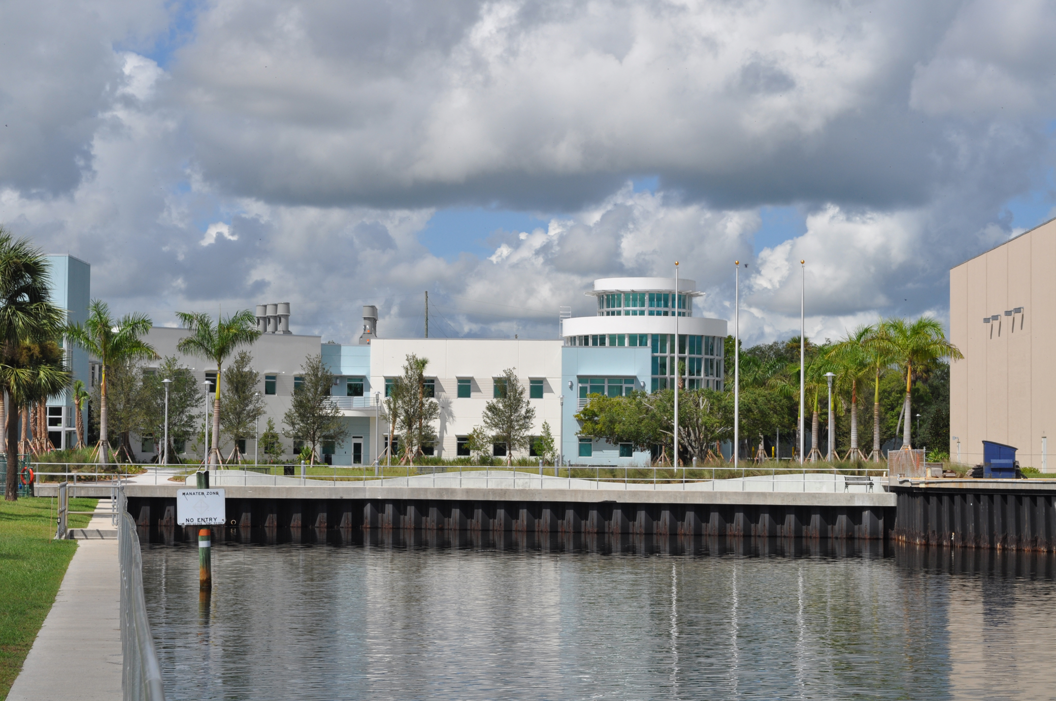 Harbor Branch Oceanographic Institute at FAU Research Laboratory II LEED Silver Building.JPG