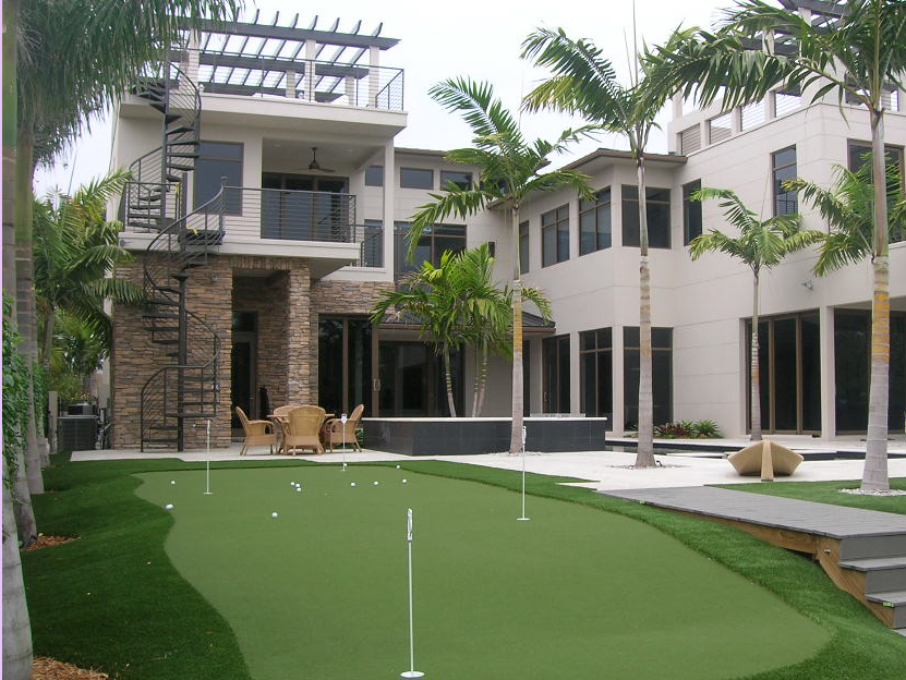 Palm Beach Gardens Intracoastal Residence Artifical Turf Putting Green.JPG