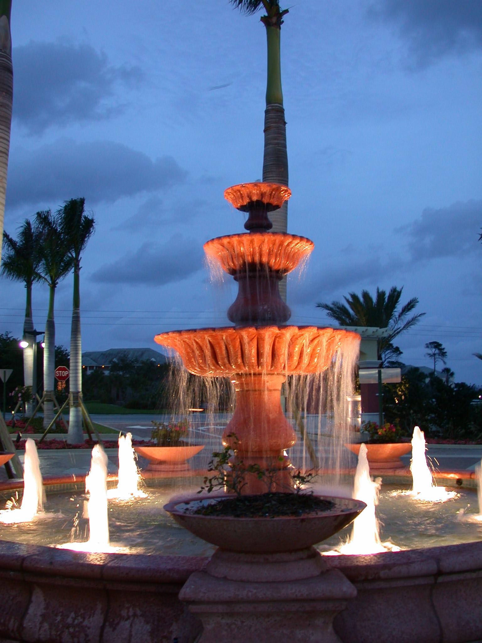 Jupiter Yacht Club Florida Lighted Fountain.JPG