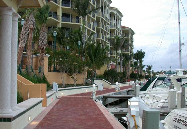 Jupiter Yacht Club Florida Marina Promenade.jpg