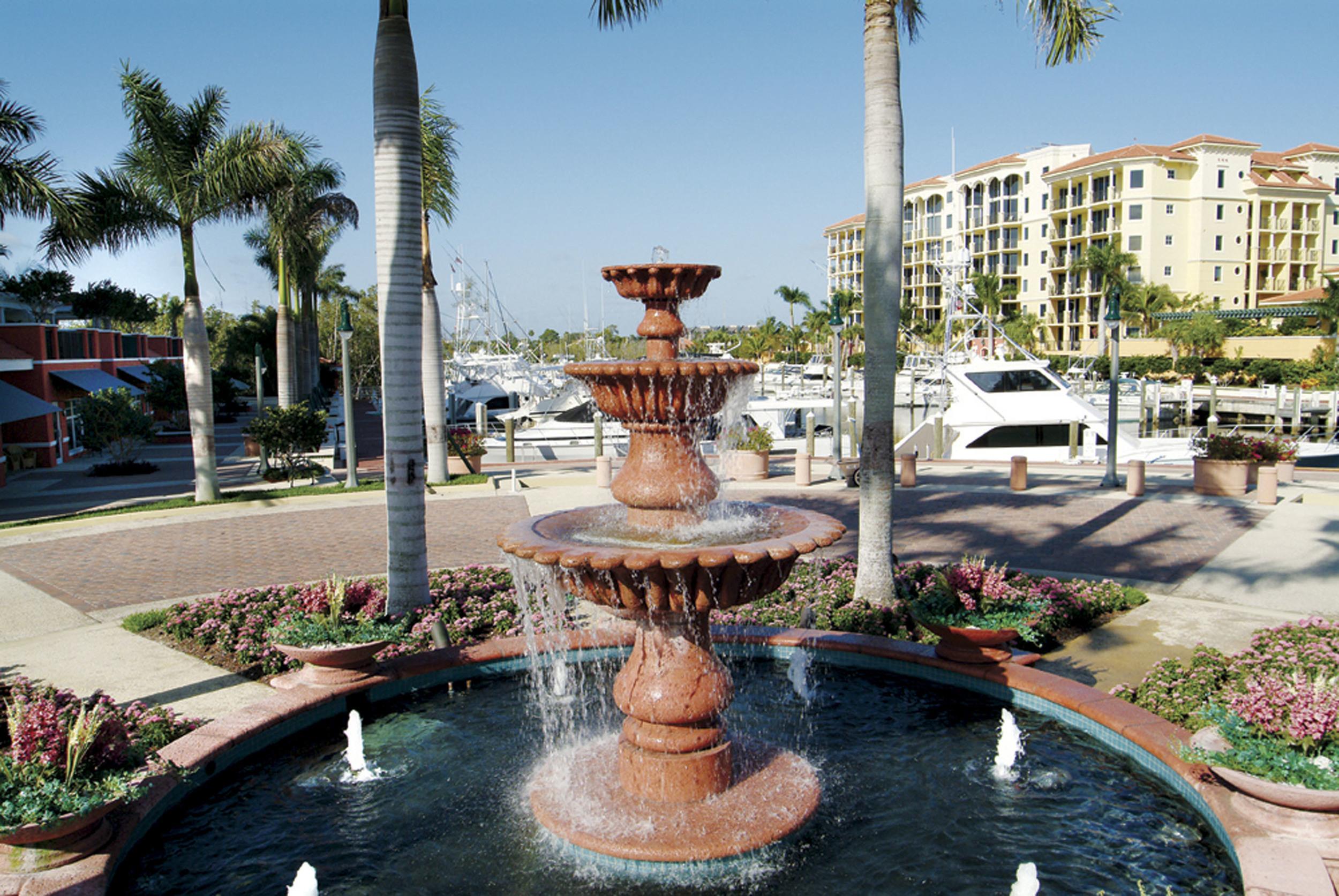 Jupiter Yacht Club Florida Tiered Fountian.jpg