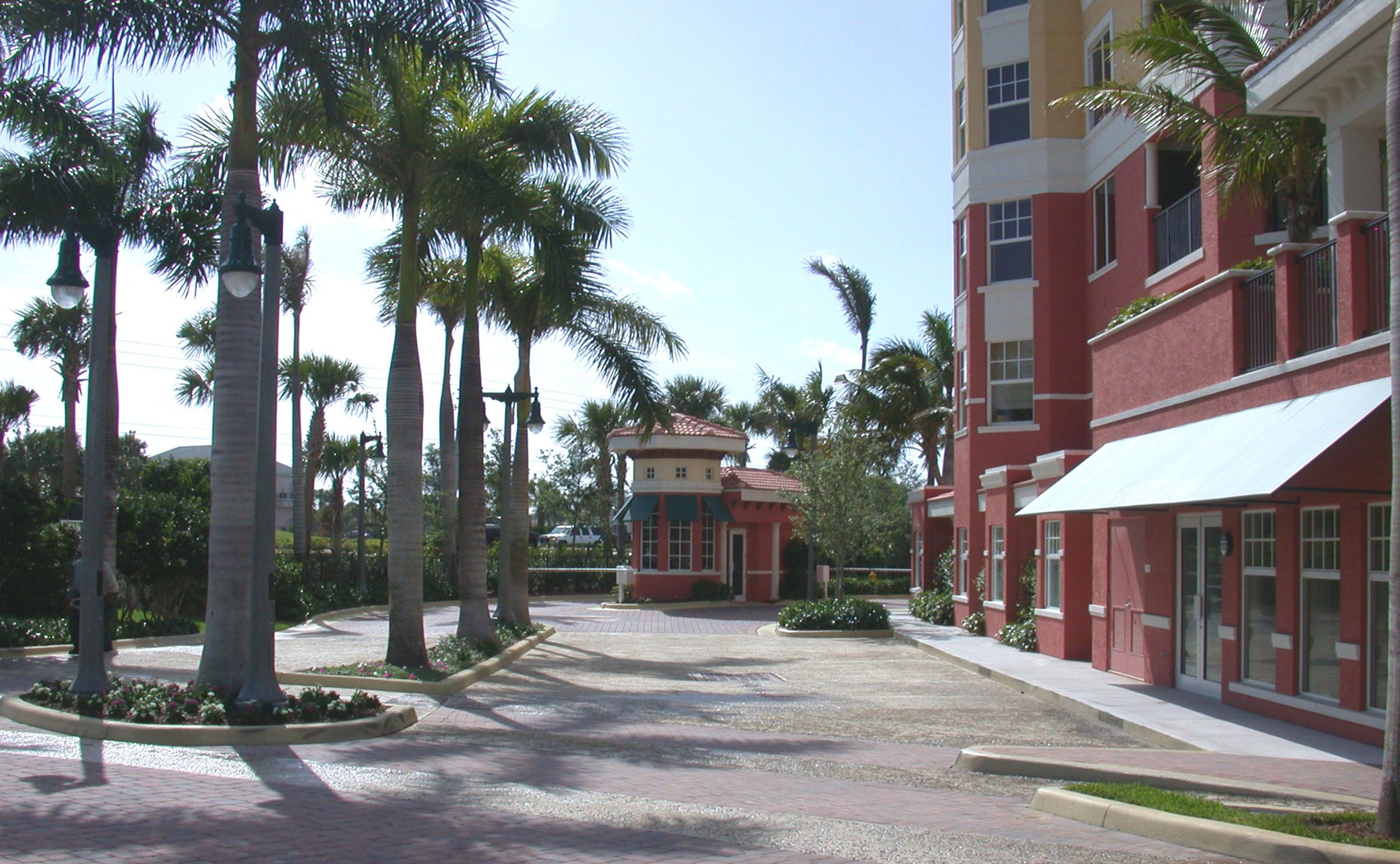 Jupiter Yacht Club Florida Private Entry.jpg