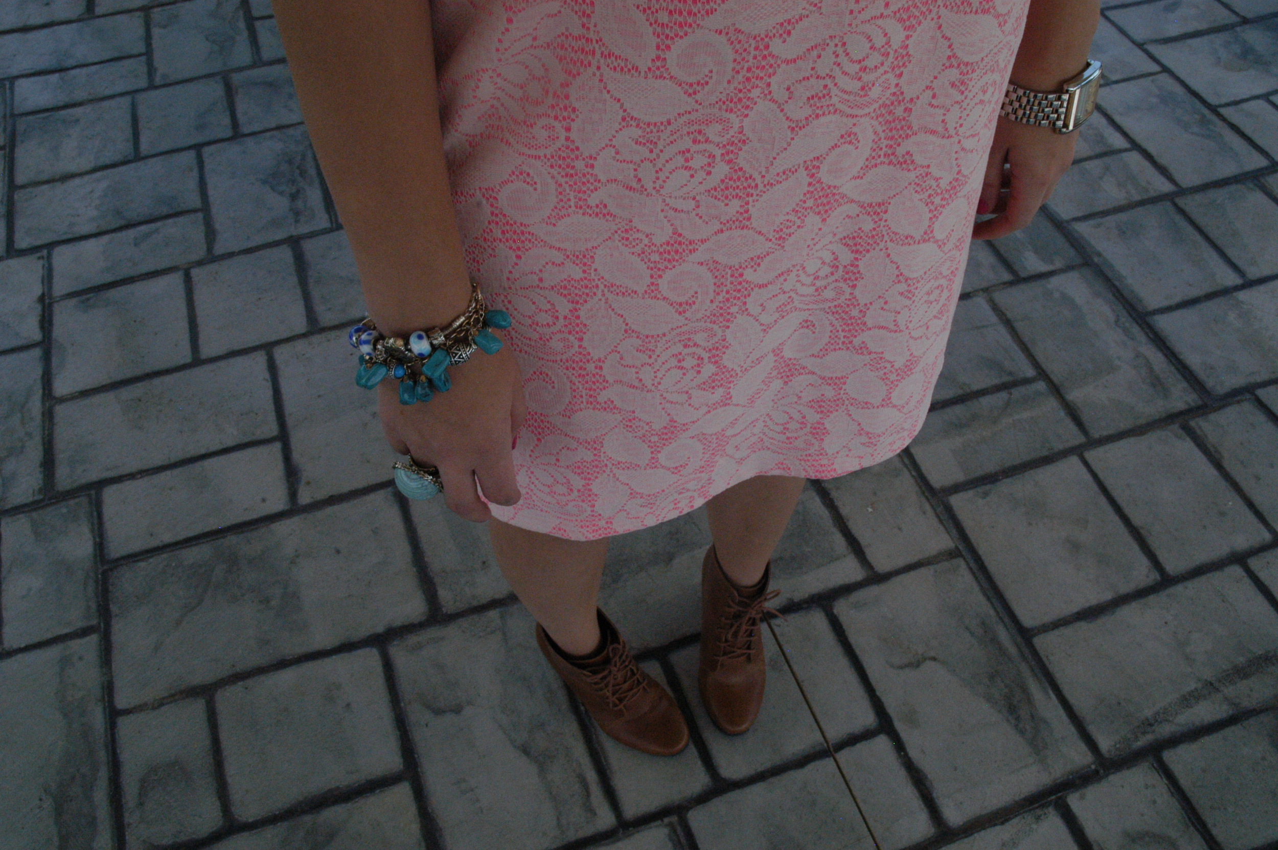 My look: Dress: H&M | Shirt:  H&M  | Scarf: H&M | Shoes: Deena & Ozzy | Jewelry: gift, H&M and Landau