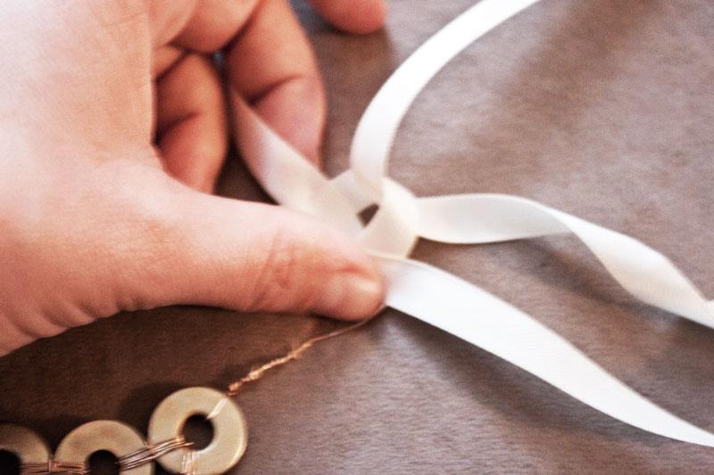 128js-DIY-Washer-Necklace-14.jpg