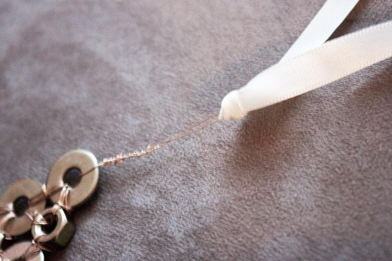 128js-DIY-Washer-Necklace-15.jpg