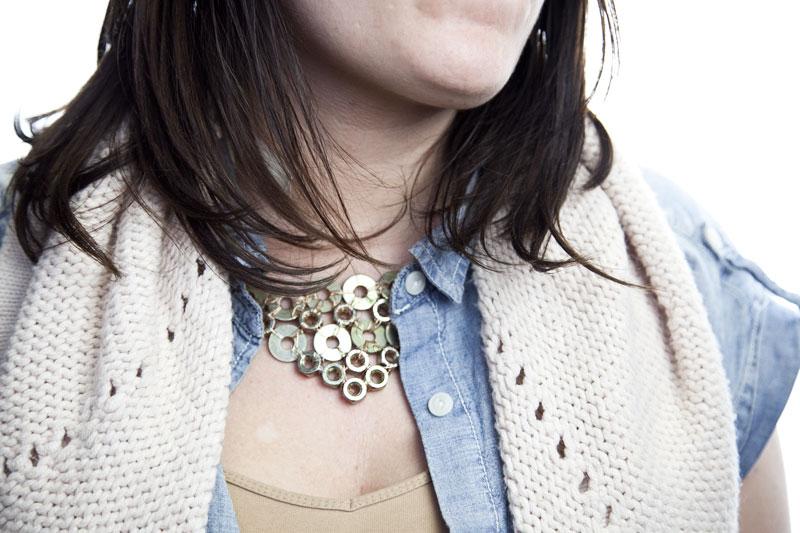 128js-DIY-Washer-Necklace-17.jpg