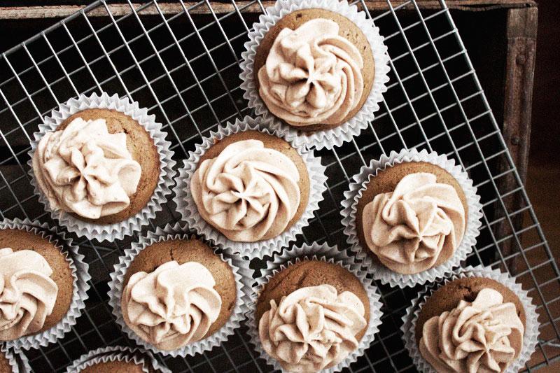 128js-Gingerbread-Cupcake-7.jpg