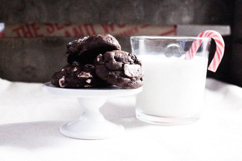 128js-Christmas-Cookie-Chocolate-Chunk-Oreo-3.jpg