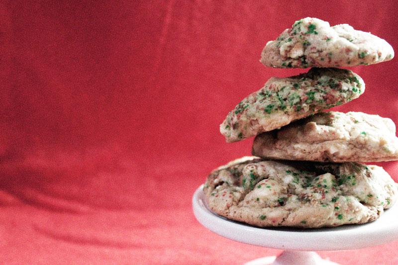 128js-Christmas-Cookie-White-Chocolate-Pretzel-5.jpg