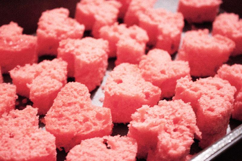 128js-Valentines-Heart-Cupcake-7.jpg