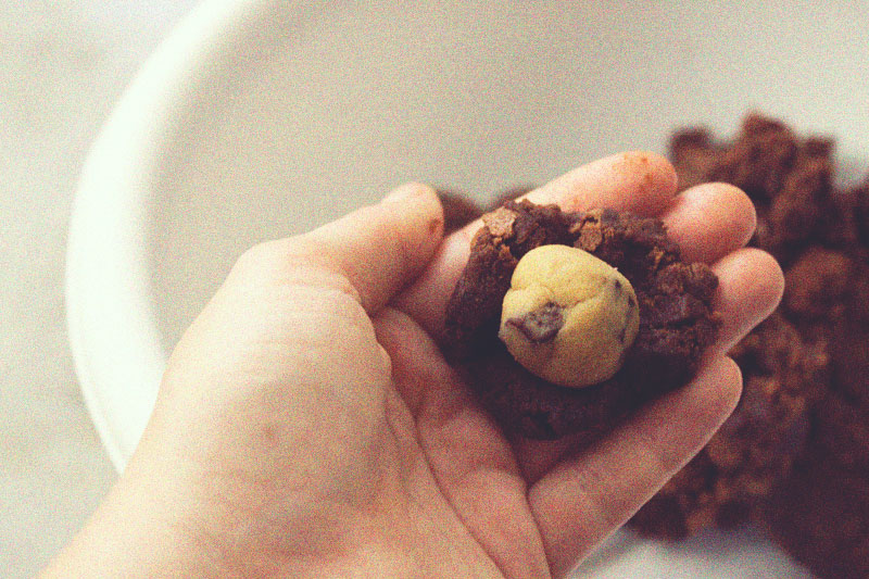 128js-Cookie-Dough-Brownie-Pop-6.jpg