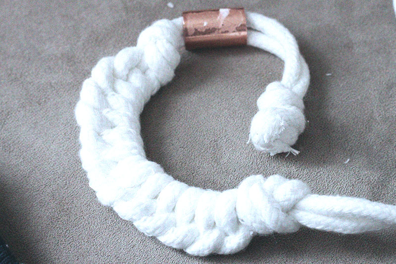128js-DIY-Nautical-Rope-Necklace-11.jpg