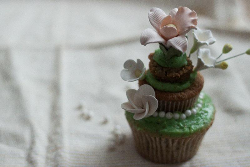 128js-Spring-Tiered-Pistachio-Cupcake-16.jpg