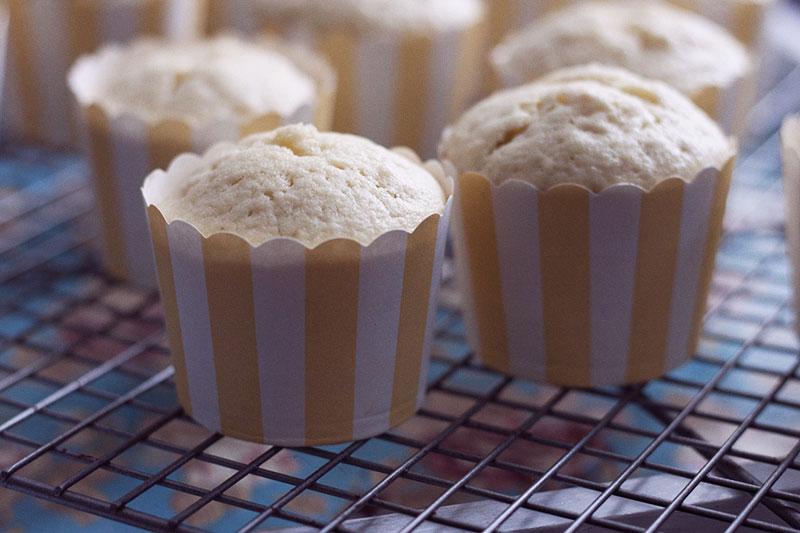 128js-Mint-Lemonaid-Cupcake-6.jpg