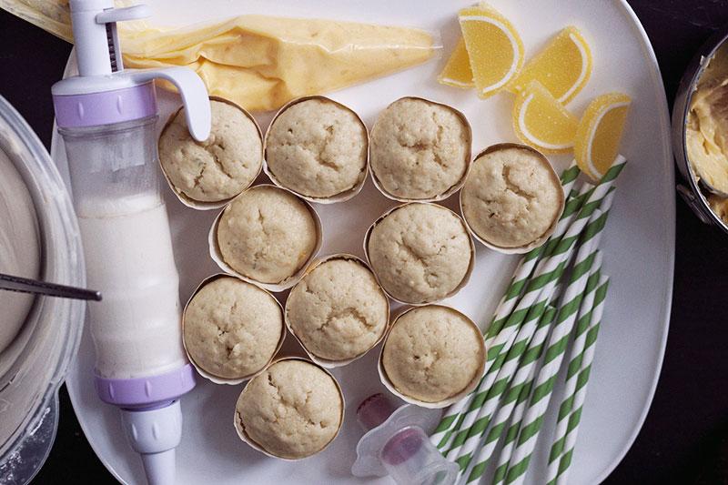 128js-Mint-Lemonaid-Cupcake-9.jpg