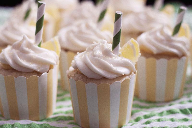 128js-Mint-Lemonaid-Cupcake-15.jpg