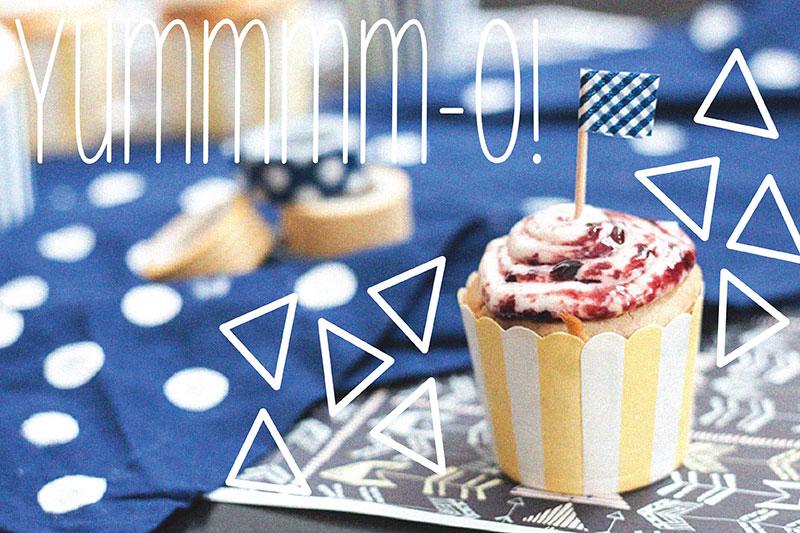 128johnst-Roasted-Blueberry-Lemon-Cupcake-07.jpg