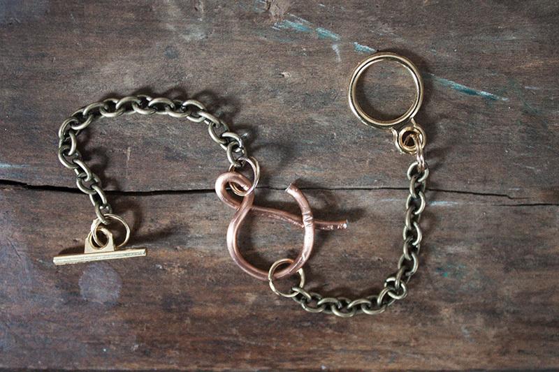 128johnst-Ampersand-Bracelet-DIY-13.jpg
