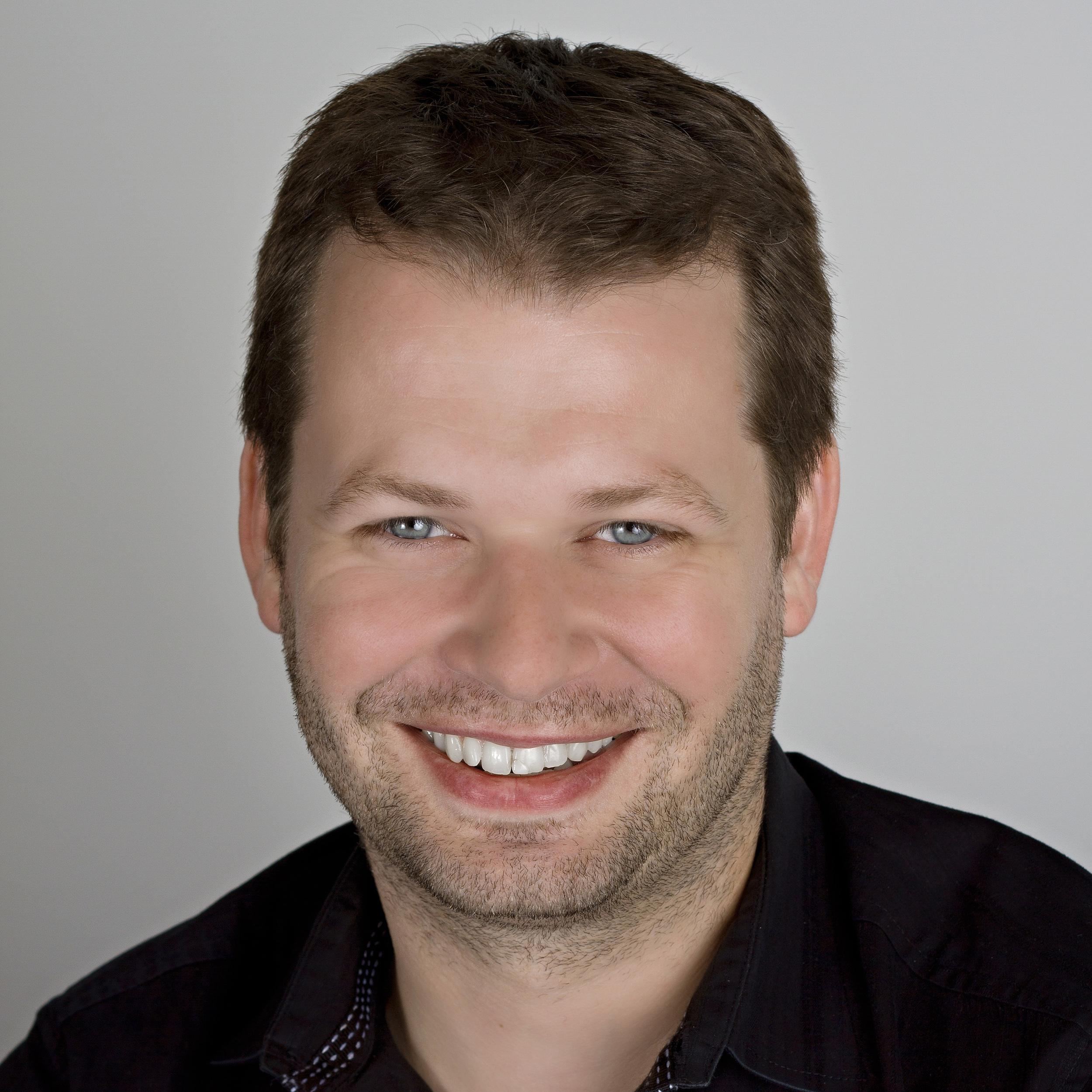 FV Headshot 2012 CC 1000px.jpg