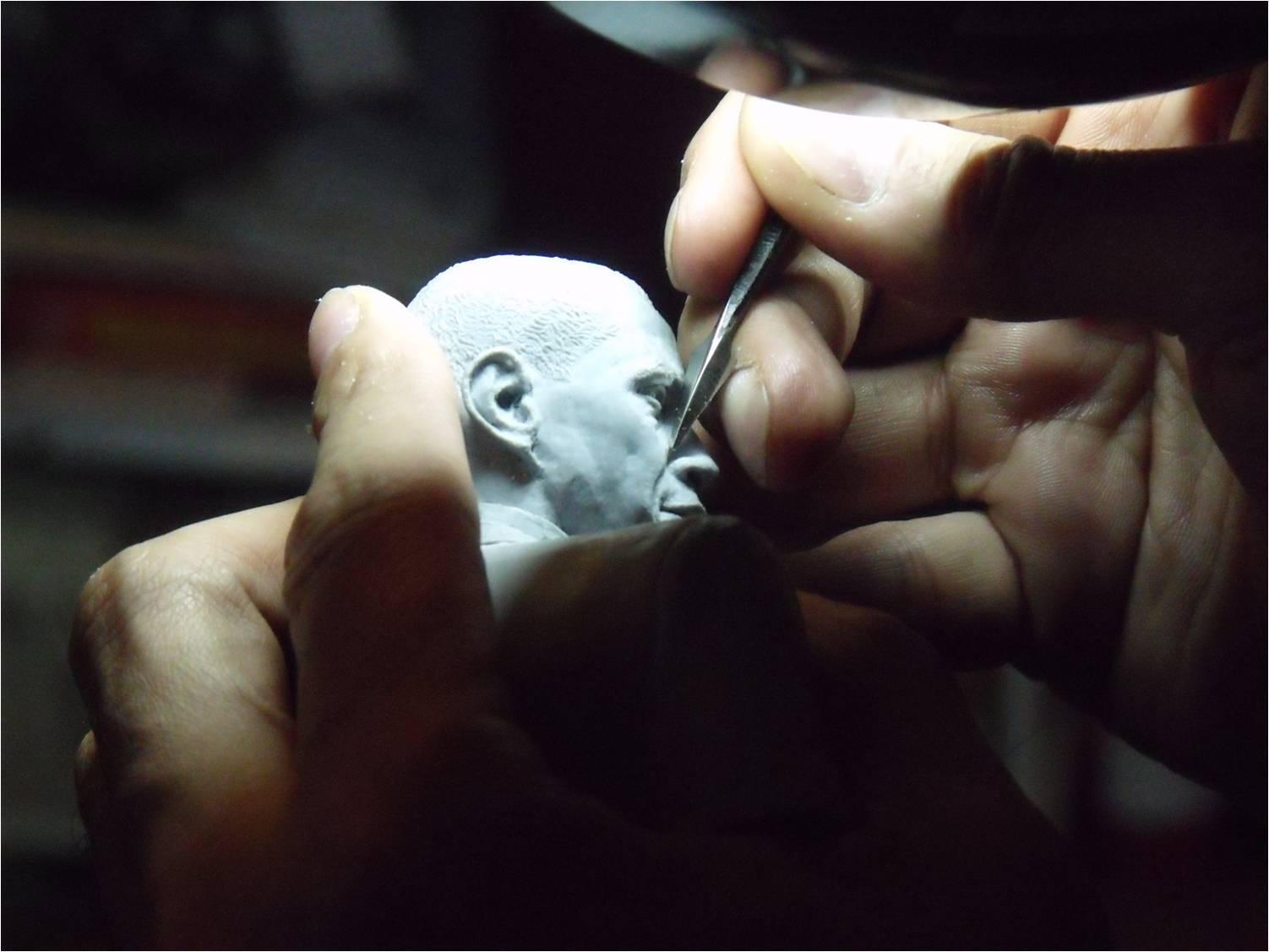 Grey_Sculpting_Renegade_Hands_sm.jpg