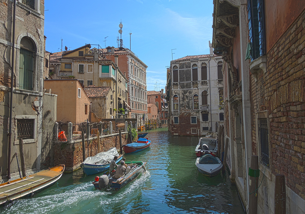 A really nice HDR picture from the Dorsoduro area of Venice.