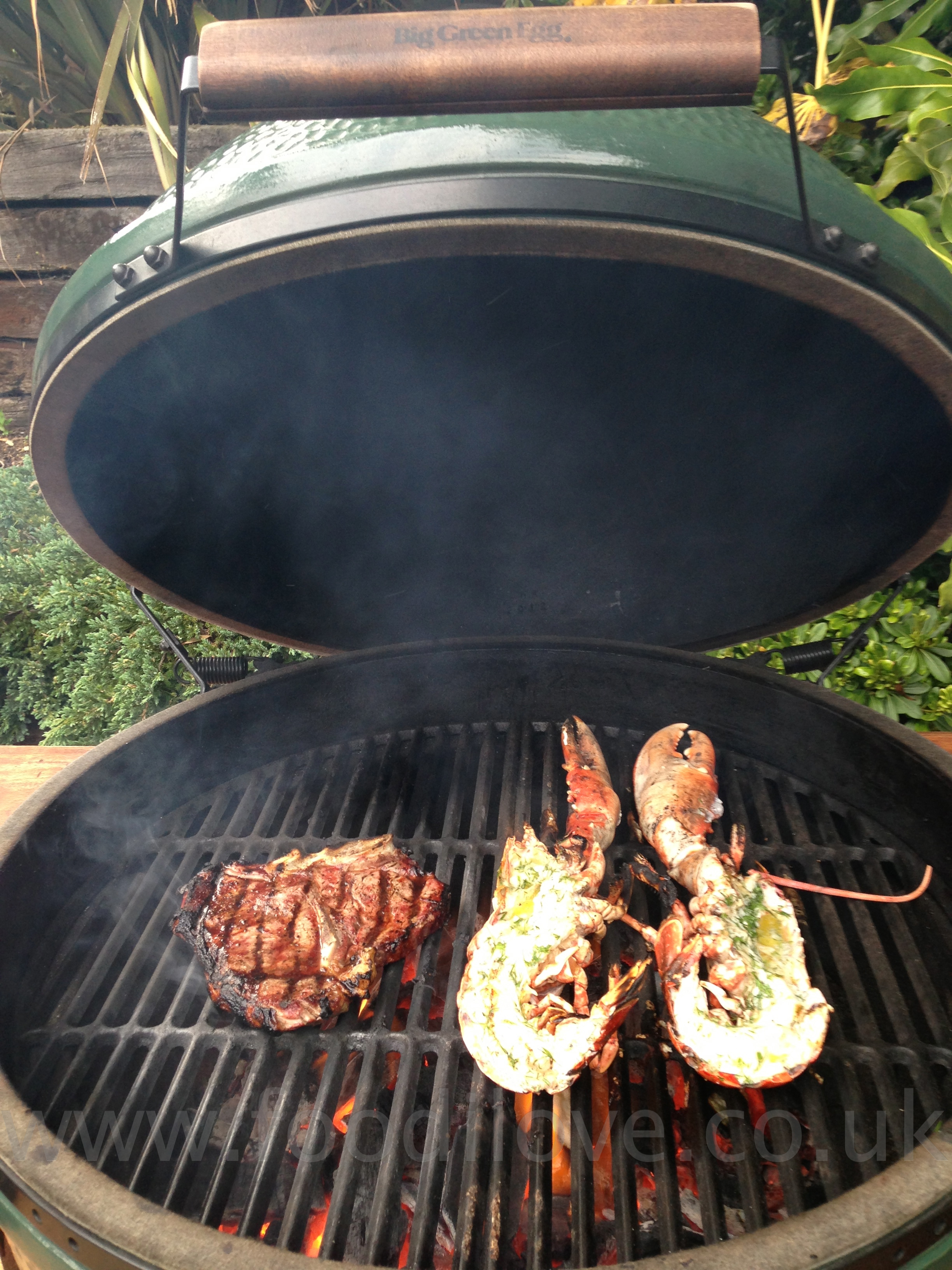 Lobster & T-Bone steak on the Braai/BigGreenEgg