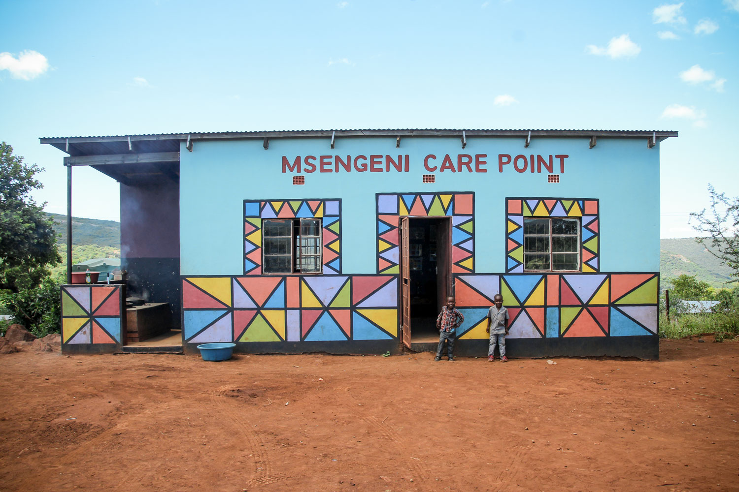 100 of the most vulnerable children in Msengeni Community receive a daily hot and nutritious meal, access to education and access to basic health care.