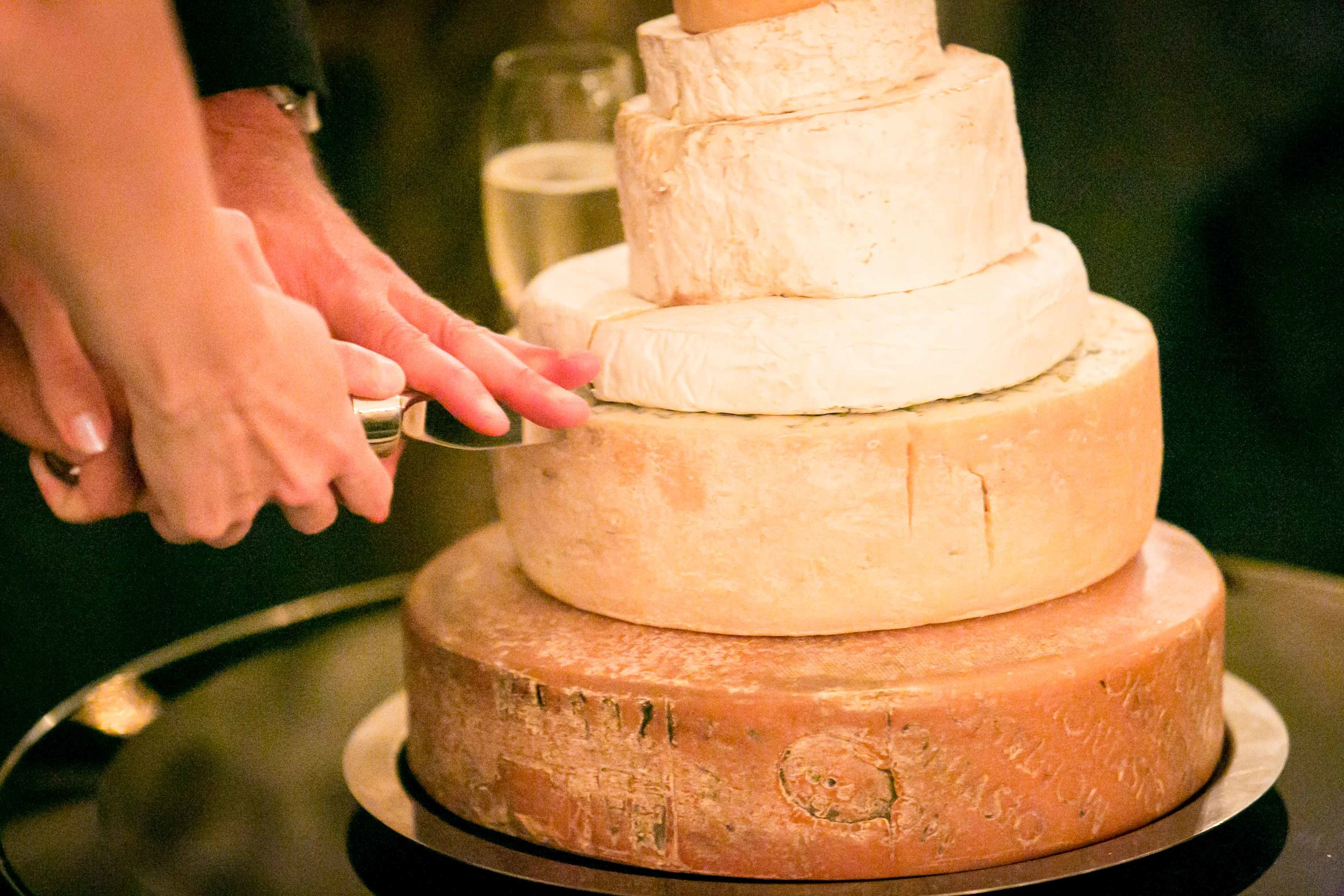 Fiona and Paul wedding reception Dunbar House Sydney Cake Cutting
