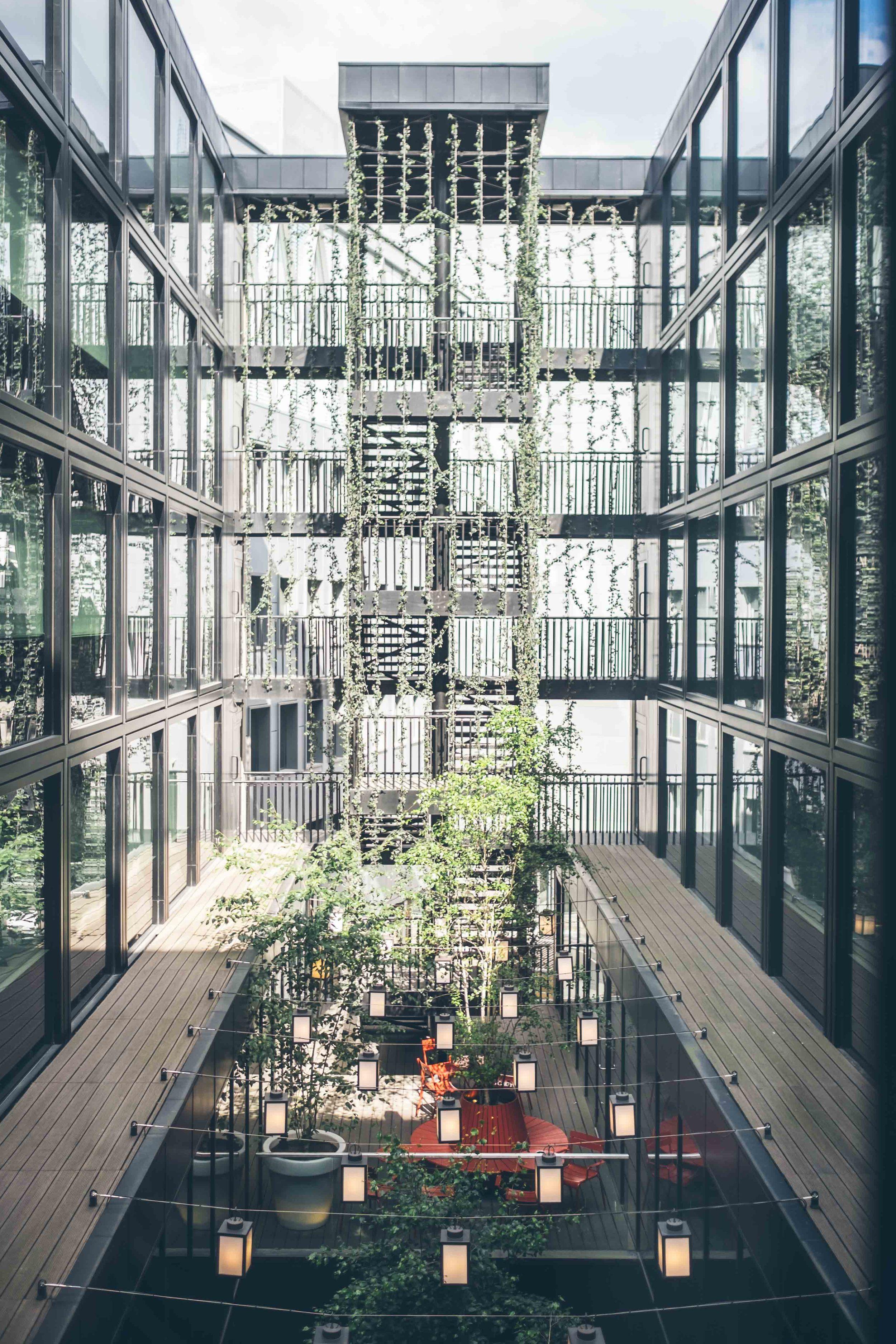 CitizenM: Atrium