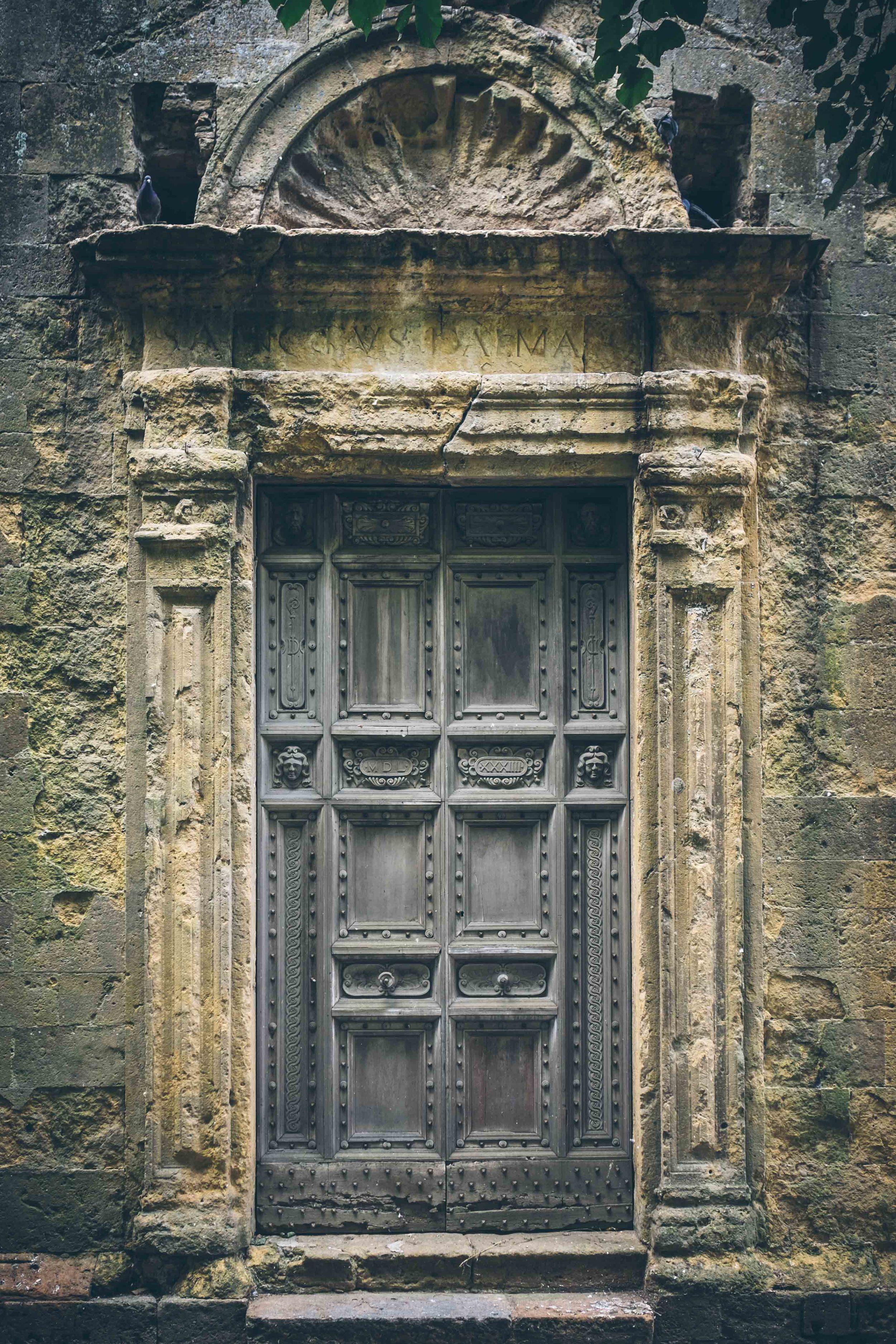 Doorway, Tomb Raider style