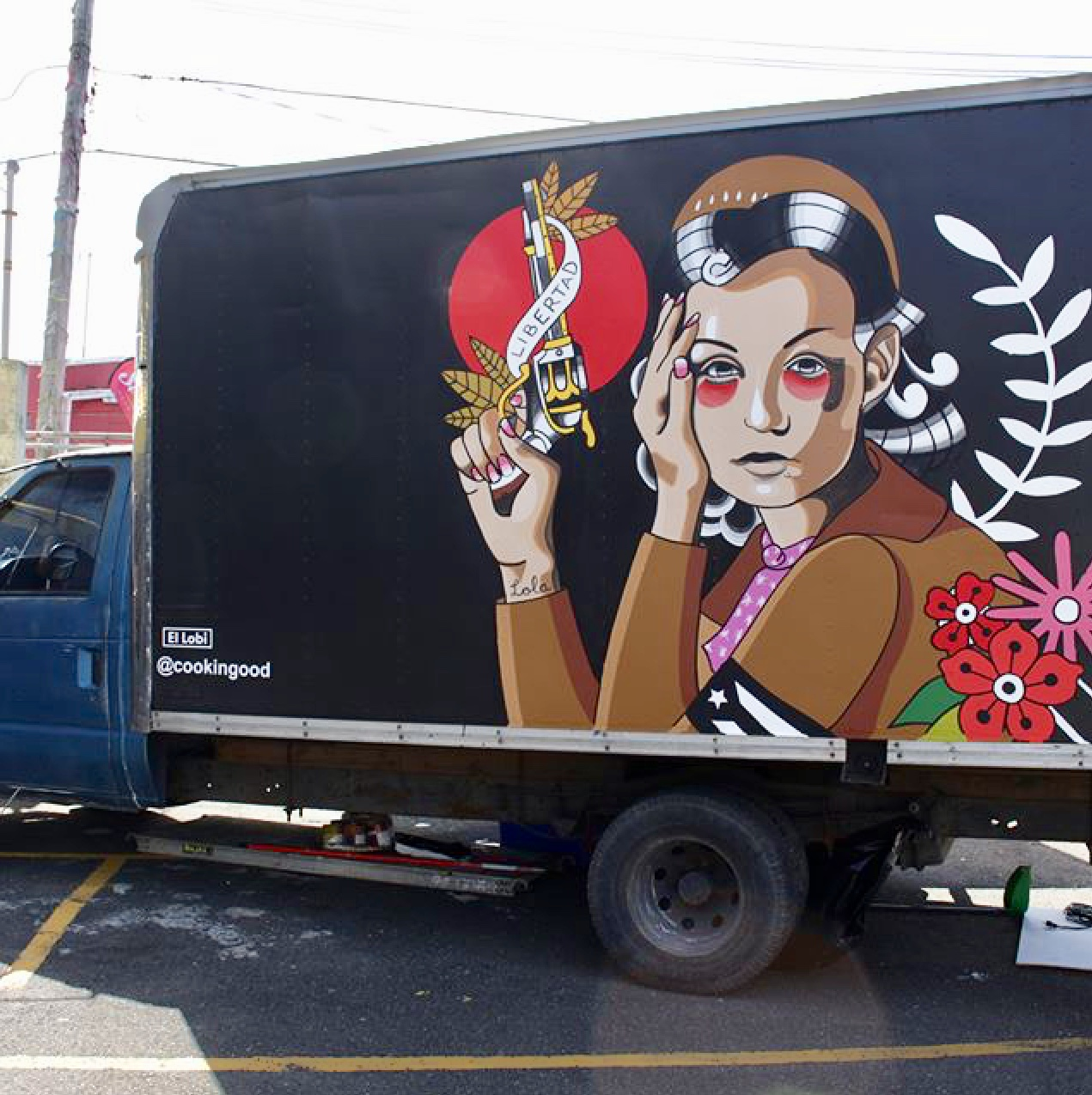 Homenaje a Lolita, large scale painting over truck, 2018. Presented for the Art Truck Expo 2018 curated by Santurce es Ley. Courtesy of the artist.