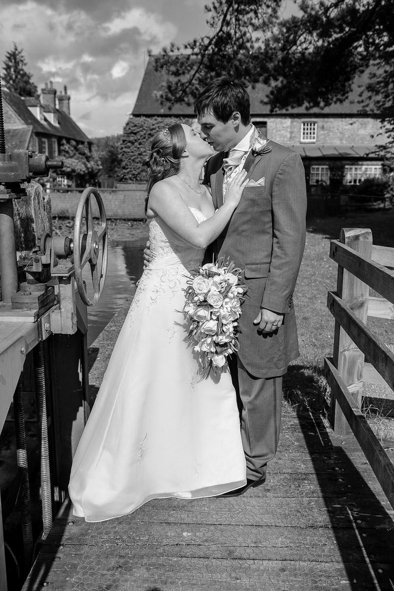 Old Mill Aldermaston wedding photography_35.jpg