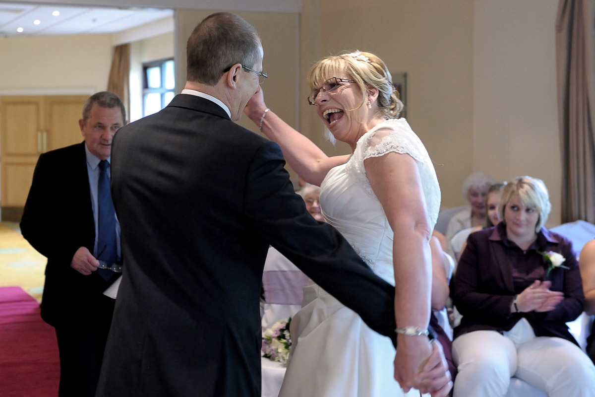 Meon Valley Marriott wedding photography_17.jpg