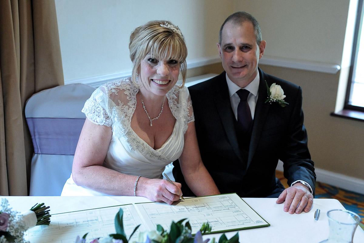 Meon Valley Marriott wedding photography_18.jpg