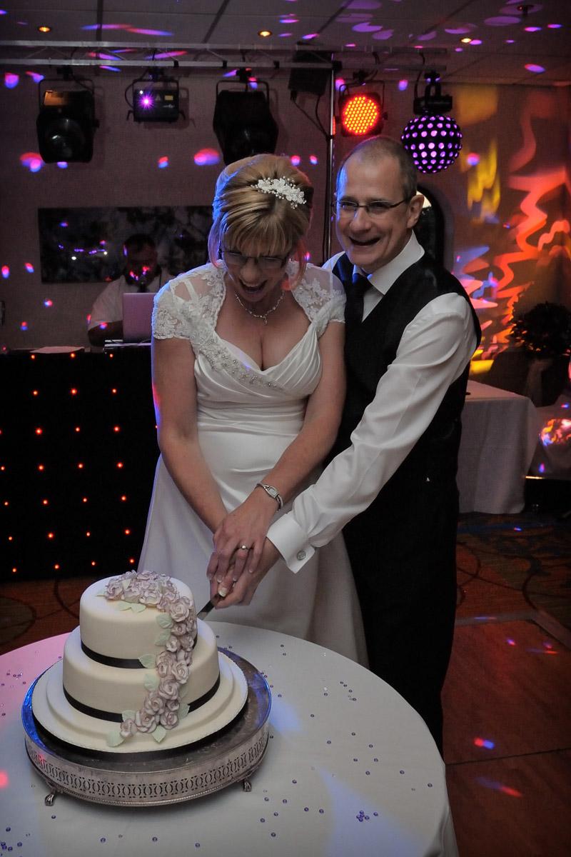 Meon Valley Marriott wedding photography_67.jpg