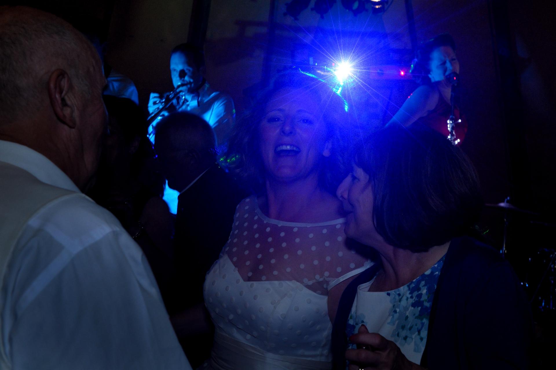 Box-Wiltshire-wedding-photography_113.JPG
