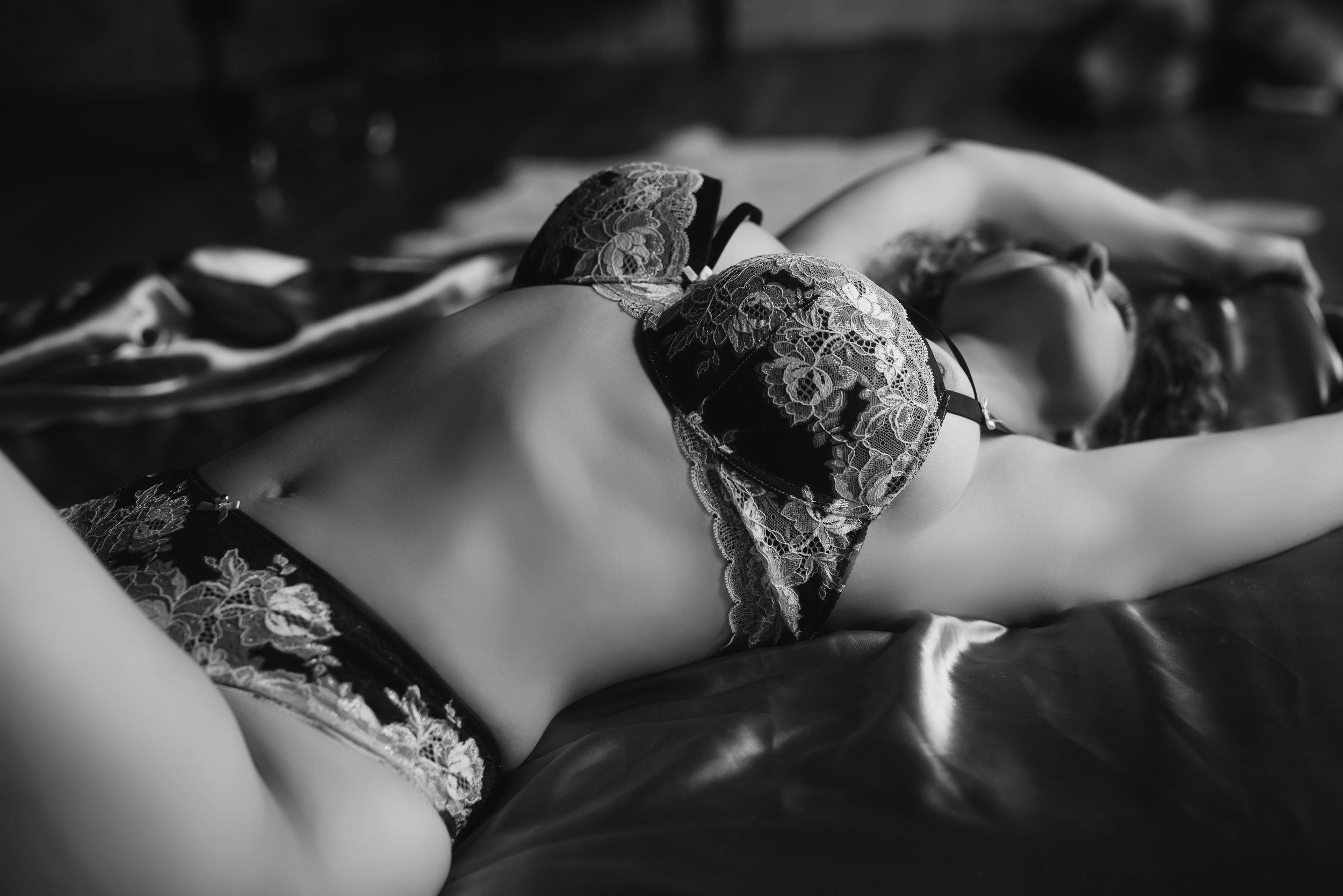 pittsburgh boudoir photographer