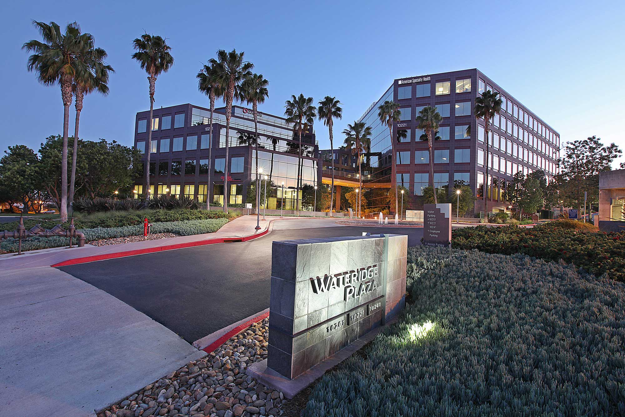 Wateridge Corporate Park, one of San Diego's first business parks to include a residential element, is a 125-acre community master planned as a unique mixed-use corporate environment. Wateridge exudes preeminent corporate identity and offers a select headquarters location for high-tech and bio-medical firms. Wateridge's build-out of over 2.3 million square feet of space gives testament to the success of the park's pioneering master plan.