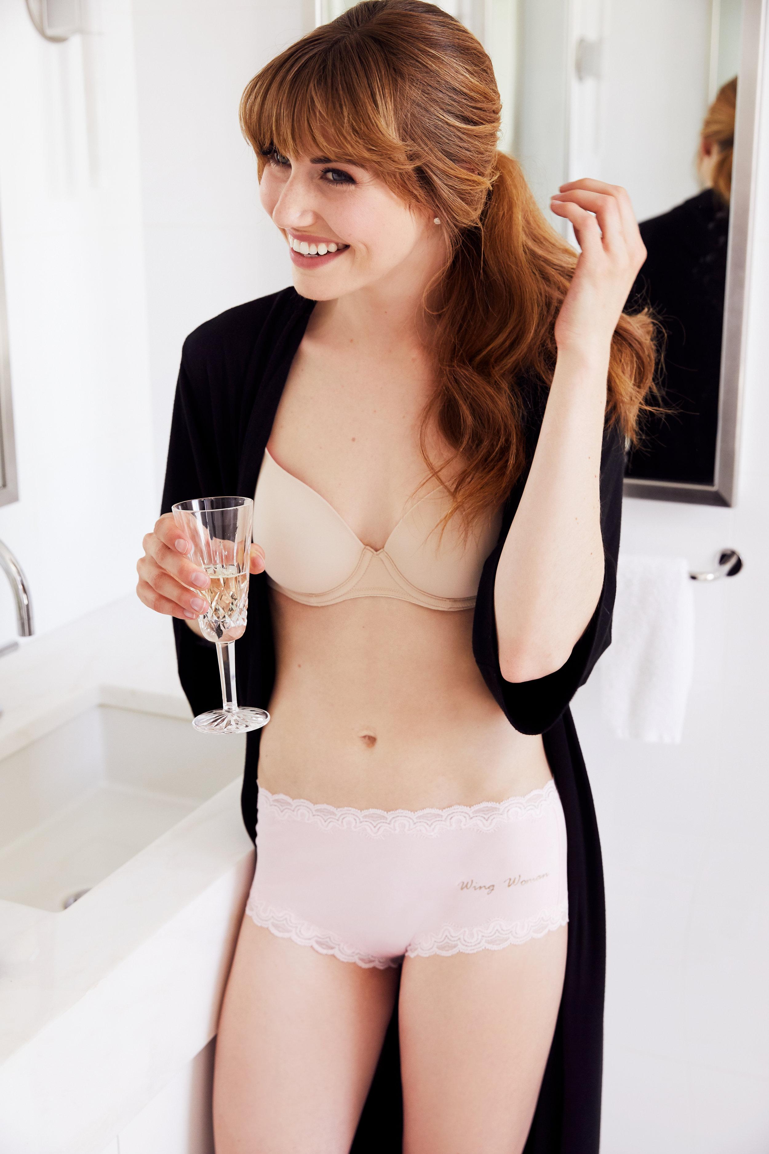 HIVExUwila_Lifestyle_BridesMaid_Bathroom_048.jpg