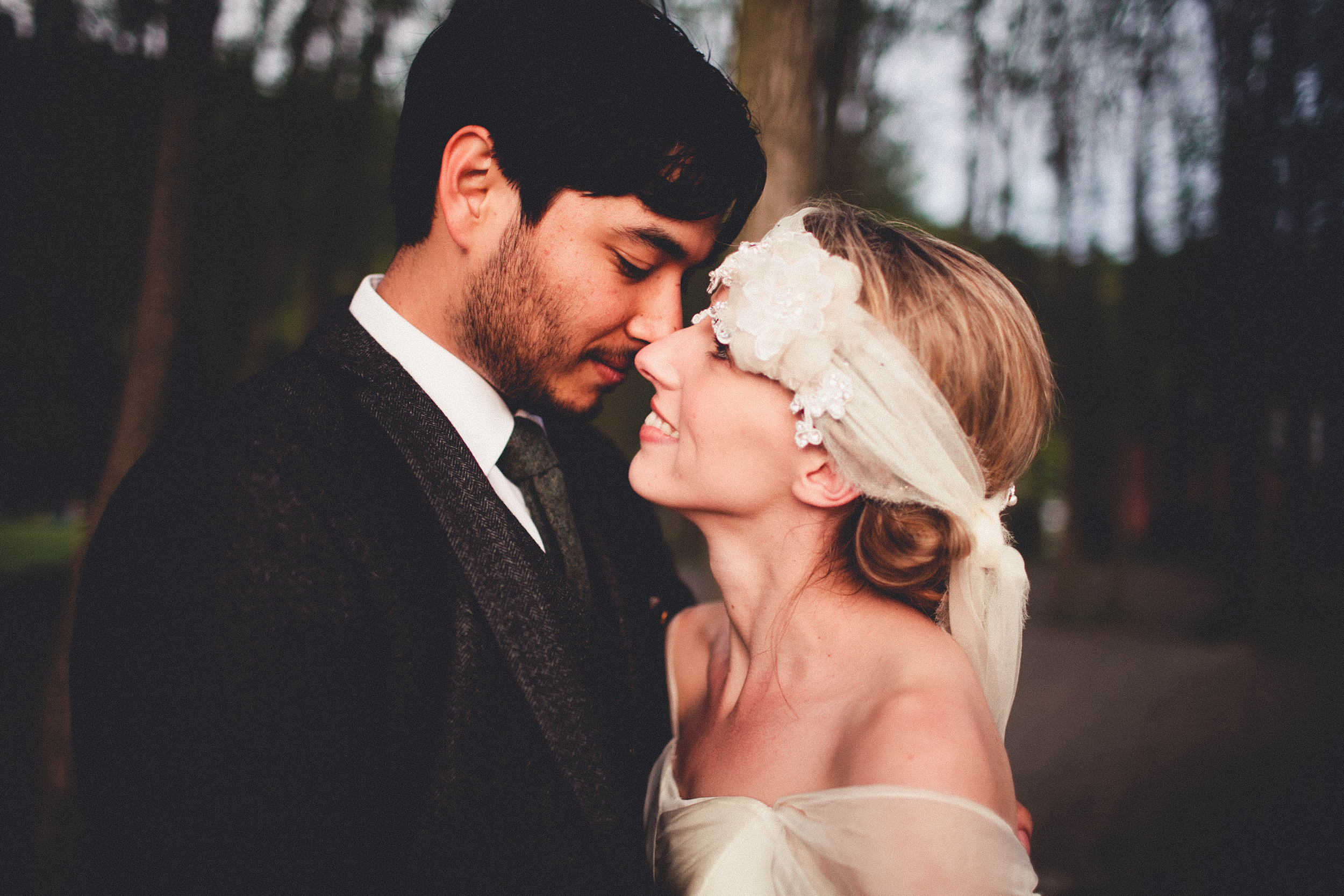 Photo Credit:   Andria Lindquist   Headpiece:   Paris Romance Style   from Erica Elizabeth Design Suite:   Moods of Norway